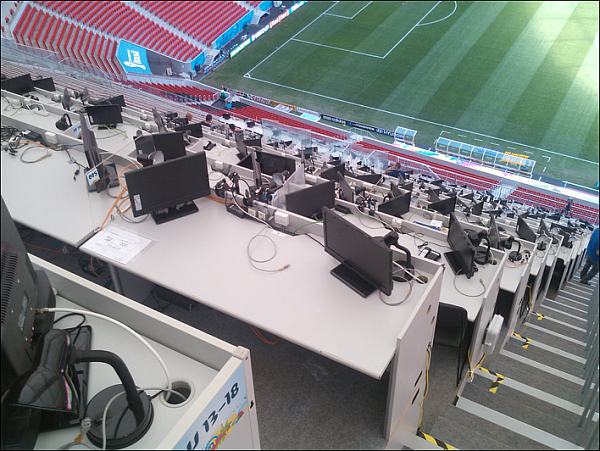 ppc web pix-tv commentary positions 600×451